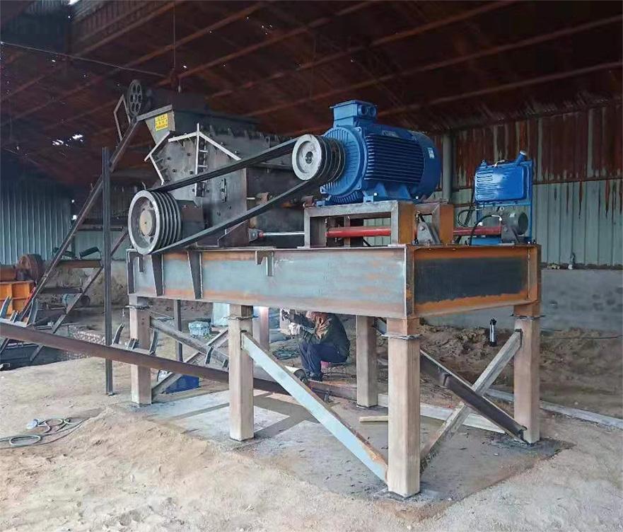 液压开箱制砂机在湖北作业现场